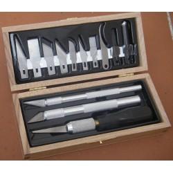 Profesionální řezbářská sada - dřevěná kazeta obsahuje 3 skalpely a výběr 10 náhradních čepelí